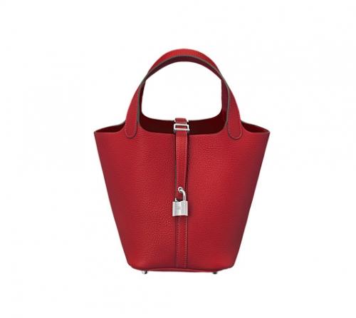 9cd465edd8b4 Как всегда, не изменяя своему великолепному вкусу и чувству стиля,  дизайнеры «Hermes» использовали в качестве декора для своих изысканных и  роскошных сумок ...
