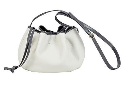 fd7503e1d7a1 Коллекция сумок «See by Chloe» для текущего сезона включает в себя большое  количество достаточно интересных моделей с лаконичным дизайном и  оригинальным ...