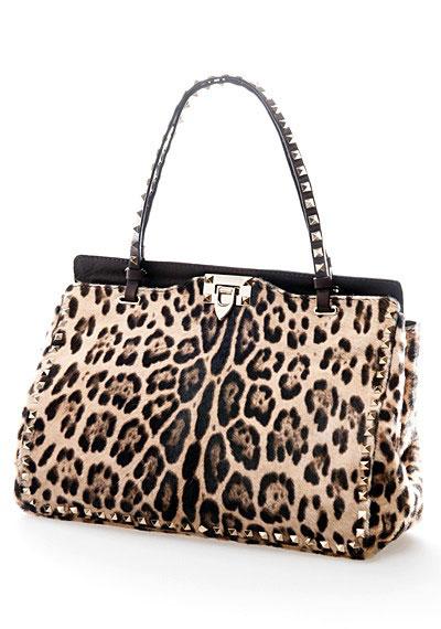 Весенне-летняя коллекция сумок от Valentino.